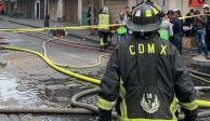 Sofocan incendio en Centro Histórico tras casi 30 horas