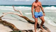Sebastián Rulli se desnuda en la playa y causa revuelo entre sus fans (FOTOS)