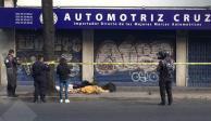En charco de sangre encuentran a indigente en la colonia Juárez