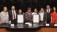 Yalitza Aparicio y Nancy García reciben reconocimiento en el Senado