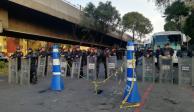 Federales vigilan cercanías de San Lázaro donde protestan campesinos
