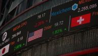 Bolsa Mexicana abre a la baja, atenta a reportes corporativos