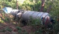Vuelca pipa con 42 mil litros de gasolina en Puerto Vallarta