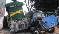 Tren embiste a camión que intentó ganarle el paso en Azcapotzalco