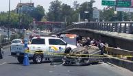 Un fallecido y varios lesionados deja volcadura de carro en Periférico