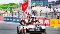 Fernando Alonso gana su cuarto título en las 24 Horas de Le Mans