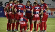 Chivas se deja querer por cientos de sus aficionados en entrenamiento