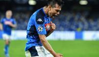 Lozano da empate a Napoli y marca su quinto gol en Champions