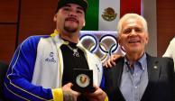 Andy Ruiz recibe reconocimiento del Comité Olímpico Mexicano