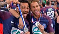 Dani Alves se va del PSG luego de dos años de glorias en Francia