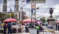 Accesos en estación del Metro Hidalgo, cerrados por mantenimiento