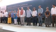 VIDEO: AMLO entrega apoyos sociales y de reconstrucción en Juchitán