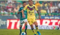Mateus Uribe tiene pie y medio fuera del América