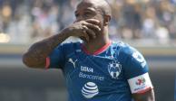 Con un hombre menos, Pumas rescata empate 1-1 ante Rayados