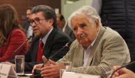 El mejor dirigente es el que deja gente que lo supera: Mujica a senadores
