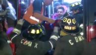 Chocan Metrobús y coche sobre Insurgentes; hay dos heridos