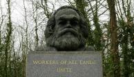 Vándalos atacan la tumba de Carlos Marx en Londres