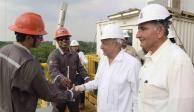Recorre AMLO plataforma petrolera Xikin en Tabasco