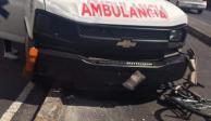 Ambulancia atropella a ciclista; testigos acusan que chofer iba ebrio