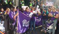 """Activistas apoyan """"Ley Olimpia"""" afuera del Congreso de la CDMX"""