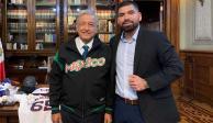 AMLO recibe a José Urquidy, pitcher mexicano de Astros