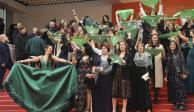 Cannes se viste de verde, protestan a favor del aborto en alfombra roja