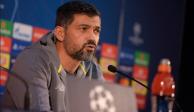 Técnico de Porto se molesta por un cuestionamiento a Héctor Herrera