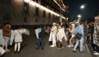 Familiares de reos y campesinos de Atenco protestan en Palacio Nacional