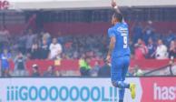 'Con el rosario en la mano', Cruz Azul derrotó 2-1 a Pumas