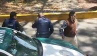 VIDEO: Policía se persigna tras recibir soborno de automovilista