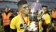 Conmovedor detalle del portero de Peñarol con un hincha rival