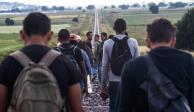 Rescatan a 97 migrantes abandonados por traficantes en Chiapas