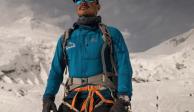 Nepalí sube las 14 cumbres más altas del mundo en 189 días