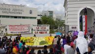 Por segundo día consecutivo padres de los 43 protestan, ahora en Chilpancingo