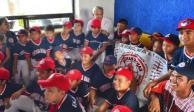 VIDEO: Convive AMLO con liga infantil de Medias Rojas de Campeche