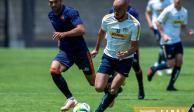 Michel Gonzalez inició con el pie derecho como técnico de Pumas