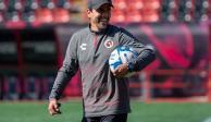 Óscar Pareja deja de ser técnico de Xolos de Tijuana