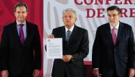 AMLO firma derogación de Reforma Educativa