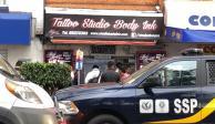 Asesinan a dos personas en estudio de tatuajes frente a Plaza Tepeyac