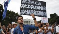 Siete estados urgen a EU a eliminar el DACA