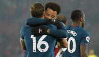 """Con """"Chicharito"""" ausente por lesión, West Ham venció 2-1 a Southampton"""