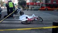 Mujer ciclista muere atropellada por camión en la Juárez