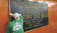 Amieva remueve placas de Díaz Ordaz y se le arma
