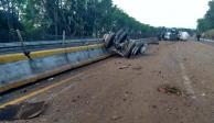 Continúa cerrada en ambos sentidos la autopista México-Cuernavaca