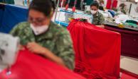 FOTOS: Así se elaboran las banderas monumentales
