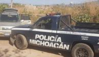 Encuentran 15 cuerpos en camioneta en paraje de Aquila, Michoacán