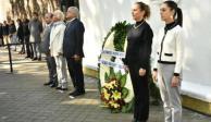 López Obrador monta guardia de honor en memoria de Madero y Pino Suárez
