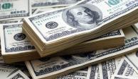 Dólar pierde terreno, peso mexicano se aprecia 0.90%