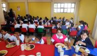 Apoya Guerrero a más de 200 mil niños con desayunos escolares