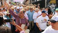Celebran miles el Paseo del Pendón en Chilpancingo; una fiesta llena de color y algarabía